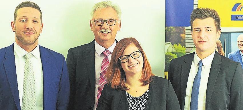Das Team von Postbank Immobilien Wuppertal (v.l.): David Kruck, Jochem Cornelius (hinten), Viviane Mehlhardt und Benjamin Borinski