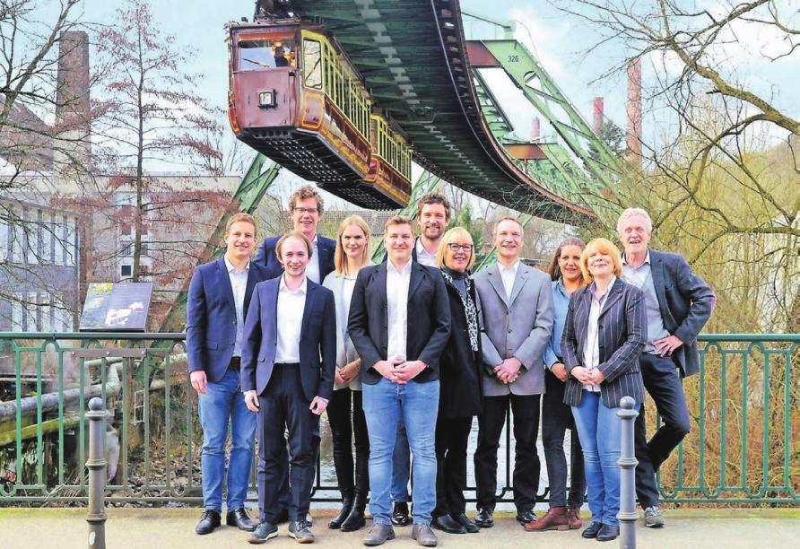 Das Team von IP-NRW ist kompetenter Ansprechpartner in allen Belangen rund um die Immobilienwirtschaft.