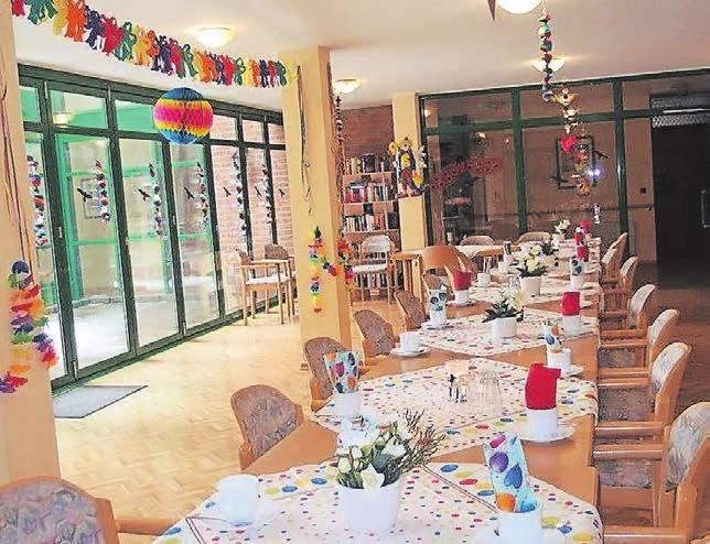 Gesellige Runden an liebevoll gedeckten Tischen sind fester Bestandteil des Angebots für die Mieter der Panorama Residenz.